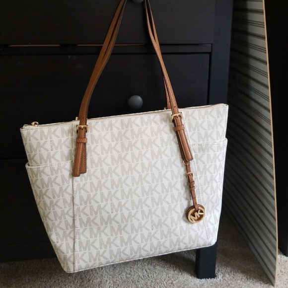 4f06e9f15195 Michael Kors Bags | Jet Set East West Top Zip Tote | Poshmark